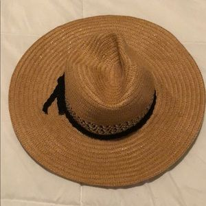 Accessories - The perfect vacation hat!
